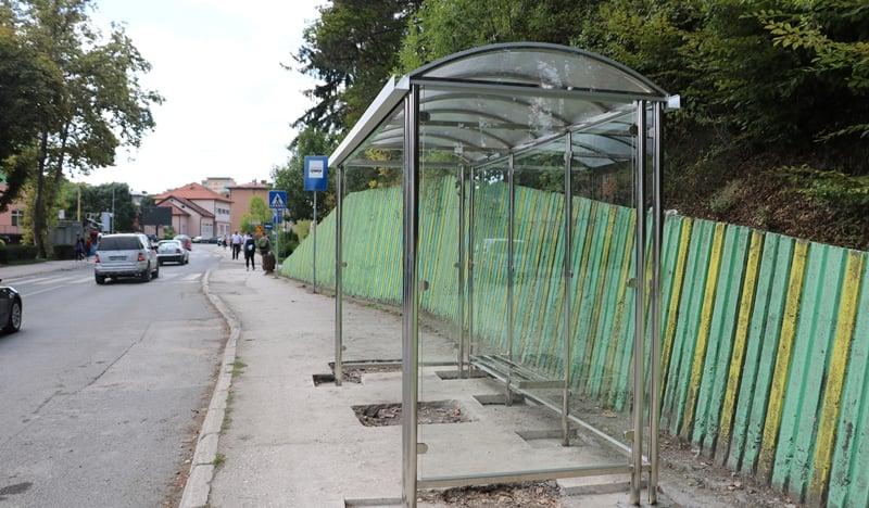 Banovići: Postavljena nova autobusna stajališta